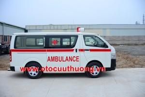 xe cứu thương toyota hiace