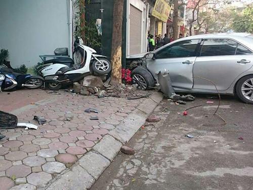 Hiện trường vụ tai nạn giao thông làm 3 người chểt - Ảnh: An Chiến